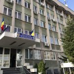 Două secretare, de la Vasile Goldiș filiala Petroșani și de la Universitatea Petroșani, trimise în judecată pentru trafic de influență