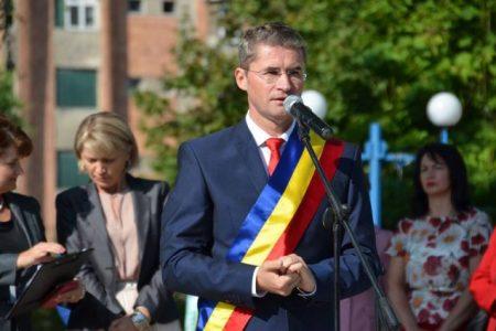 Primarul din Petroşani, Tiberiu Iacob Ridzi, a trecut la UNPR