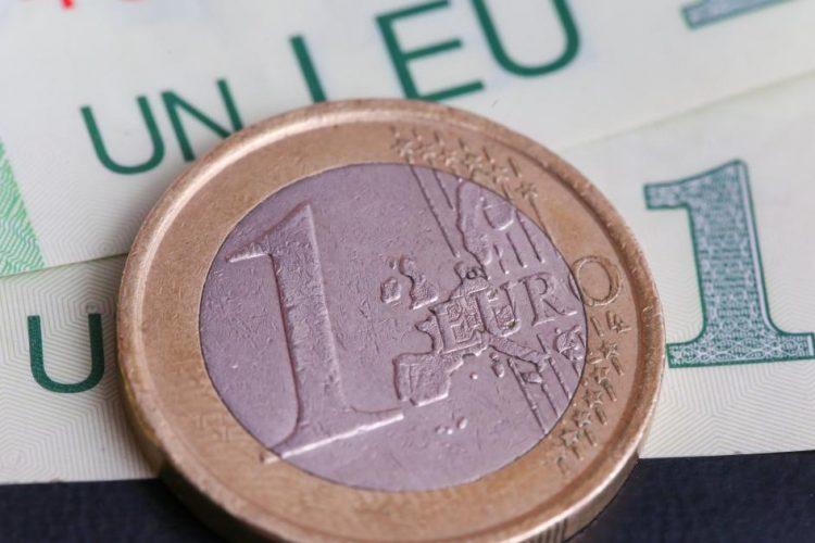 Leul a incheiat anul in forta. In decembrie, moneda nationala a inregistrat cea mai mare crestere fata de euro